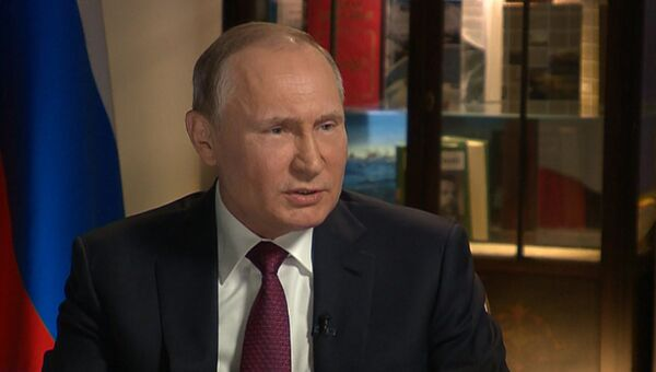 Путин объяснил, почему не может комментировать слова всех сотрудников администрации