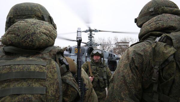 Военнослужащие во время тактико-специальных учений подразделения противовоздушной обороны воздушно-десантной дивизии. Архивное фото