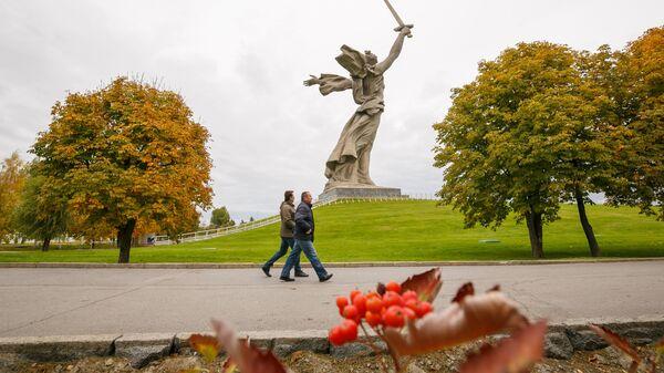 Монумент Родина-мать зовет! на территории историко-мемориального комплекса Мамаев курган в Волгограде