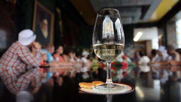 Дегустационный зал завода шампанских вин Новый свет в Крыму