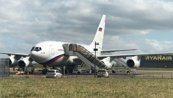 Самолет Ил-96 российской авиакомпании Россия в лондонском аэропорту Хитроу. 20 марта 2018