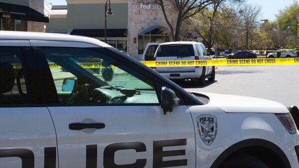 Сотрудники полиции и ФБР в Техасе