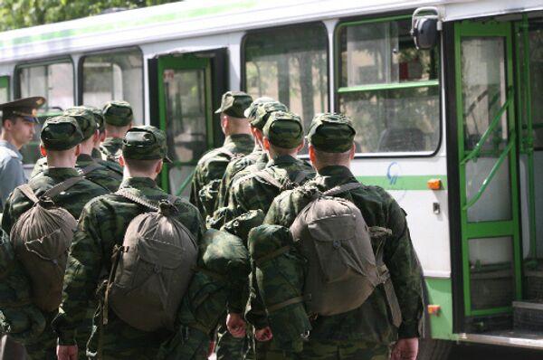 Военкоматы СибВО направили в армию более 43 тысяч призывников