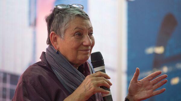 Писательница Людмила Улицкая выступает на открытии Московской международной книжной выставки-ярмарки на ВДНХ