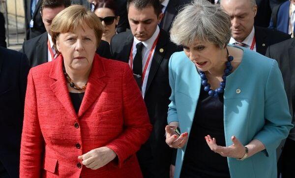 Канцлер ФРГ Ангела Меркель и премьер-министр Великобритании Тереза Мэй на неформальном саммите лидеров ЕС в столице Мальты Валетте
