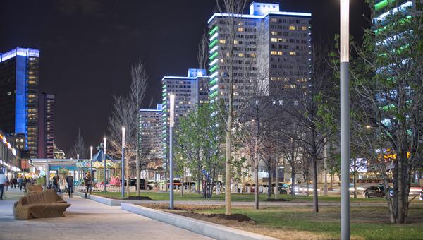 Фото фонарей компании Сарос-Свет М на Новом Арбате
