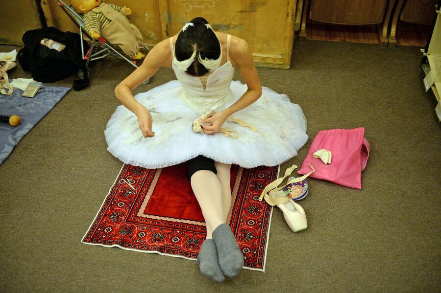 Балерина в гримерной Новосибирского оперного театра