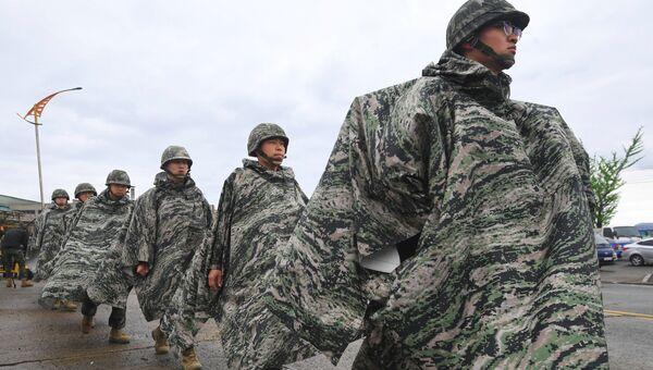 Южнокорейские морские пехотинцы во время совместных учений с США. Архивное фото