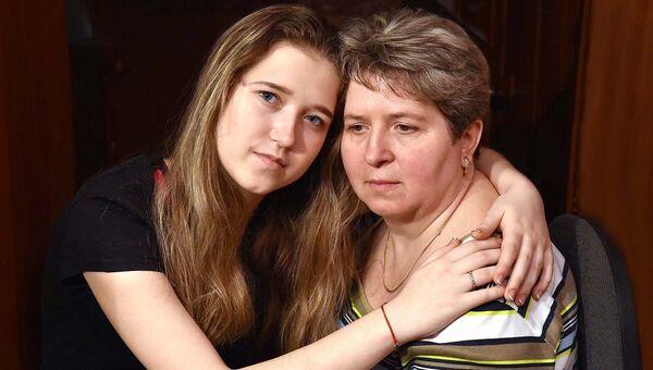 После больницы Полина совсем упала духом, перестала верить врачам, которые говорили ей, что спина стала ровнее и убеждали, что болей быть не должно