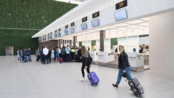 Работа нового терминала аэропорта в Симферополе. 11 апреля 2018