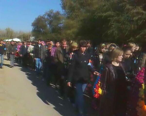 Погибших в Беляевской школе учениц похоронили в один день