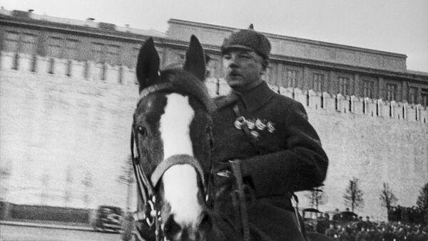 Клим Ворошилов. Маршал, о котором слагали песни