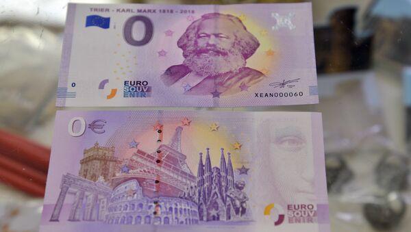 Cувенирная купюра номиналом в ноль евро с изображением Карла Маркса