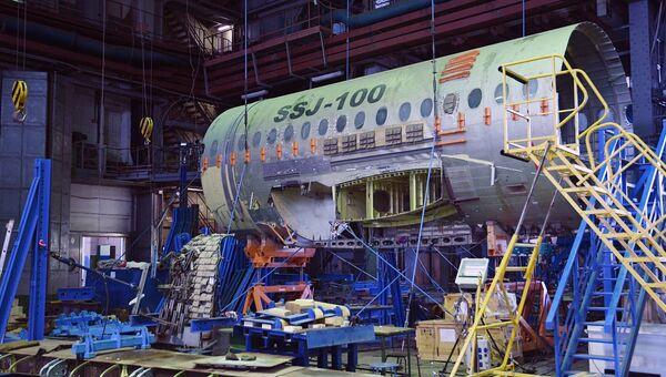 Фюзеляж российского ближнемагистрального пассажирского самолёта Сухой Суперджет 100. Архивное фото