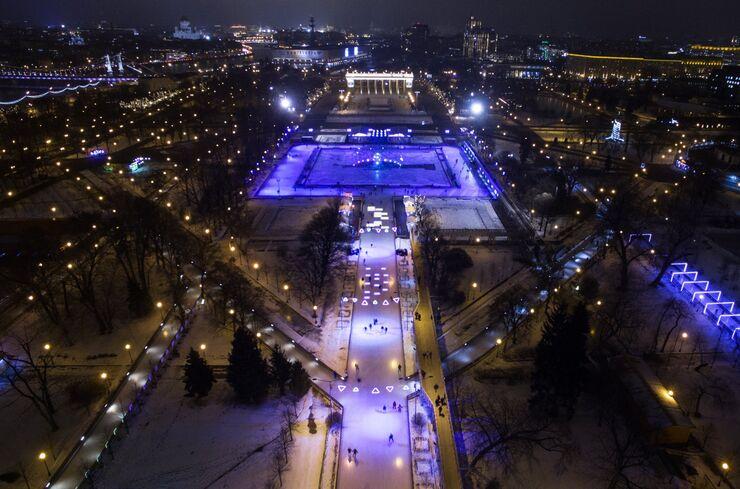 Каток в Центральном парке культуры и отдыха имени А.М. Горького в Москве (Россия)