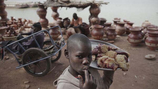 В порту города Мопти в Мали. Архивное фото