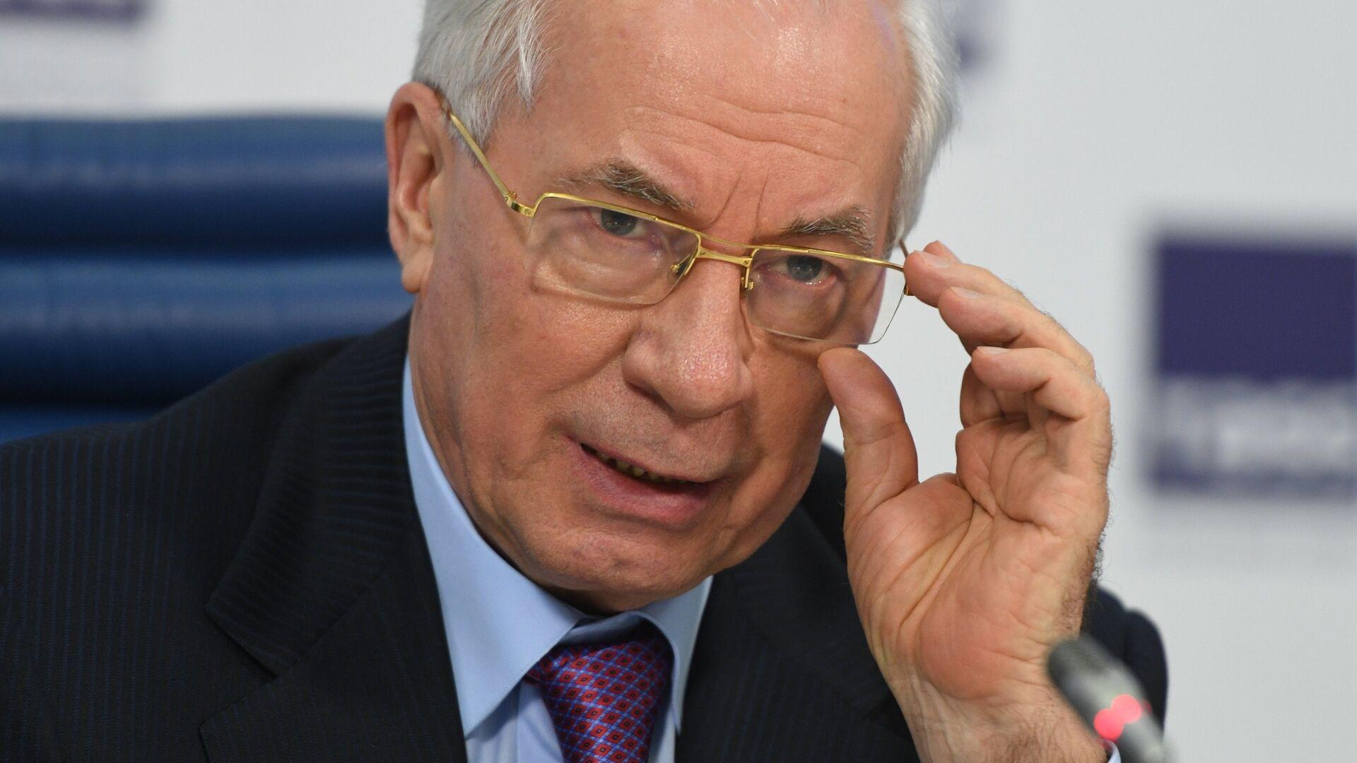 Экс-премьер Украины ответил Кравчуку на призыв отключить Россию от SWIFT
