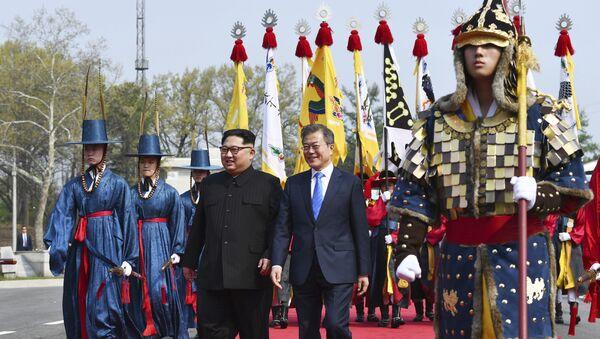 Ким Чен Ын и Мун Чжэ Ин перед саммитом в демилитаризованной зоне