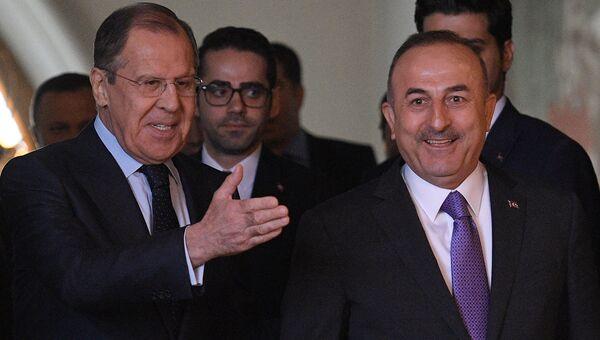 Министр иностранных дел РФ Сергей Лавров и министр иностранных дел Турции Мевлют Чавушоглу. Архивное фото