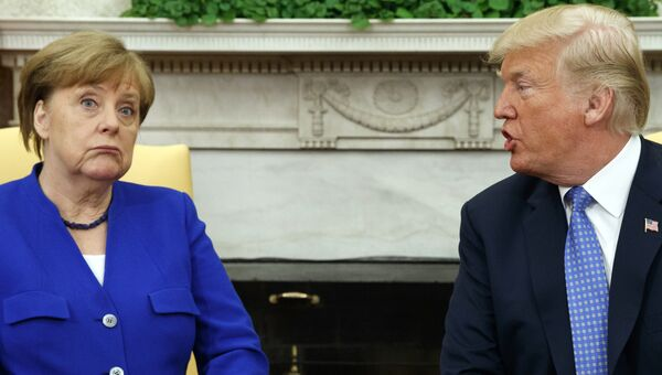 Президент США Дональд Трамп и канцлер Германии Ангела Меркель. Архивное фото