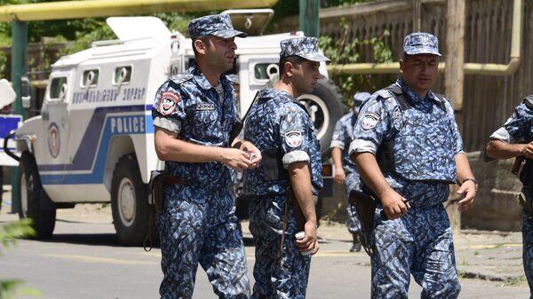 Сотрудники правоохранительных органов Армении. Архивное фото