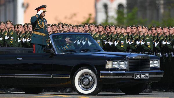 Исполняющий обязанности министра обороны РФ Сергей Шойгу на военном параде, посвященном 73-й годовщине Победы в Великой Отечественной войне 1941-1945 годов