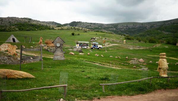 Сказочная долина Красных пещер в селе Доброе Симферопольского района