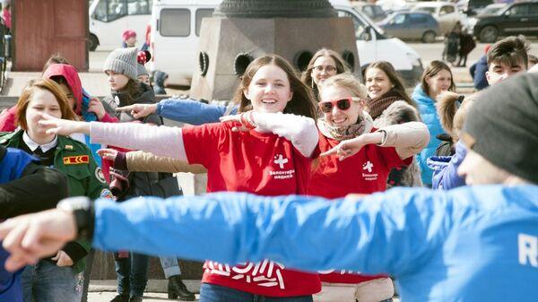 Волонтеры-медики приглашают в парк им. Горького на массовые зарядки