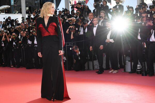 Председатель жюри, актриса Кейт Бланшетт на красной дорожке церемонии закрытия 71-го Каннского международного кинофестиваля