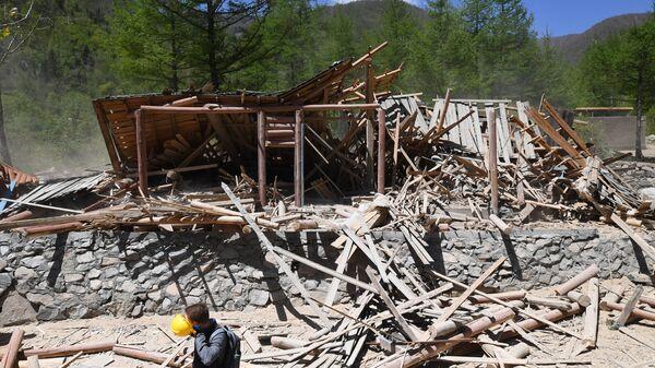 Место взорванного входа в шахту для ядерных испытаний №2 на ядерном полигоне Пхунгери