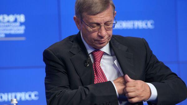 Председатель совета директоров АФК Система Владимир Евтушенков на Петербургском международном экономическом форуме 2018
