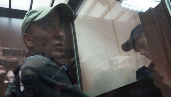 Игорь Подпорин, обвиняемый в умышленном повреждении картины Ильи Репина Иван Грозный и сын его Иван , во время рассмотрения ходатайства следствия о его аресте в Замоскворецком суде Москвы. 29 мая 2018