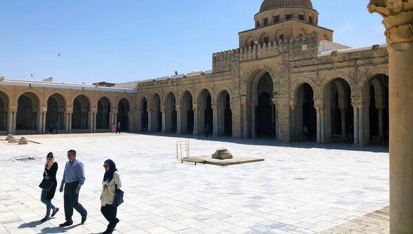 Великая мечеть Кайруана в Тунисе