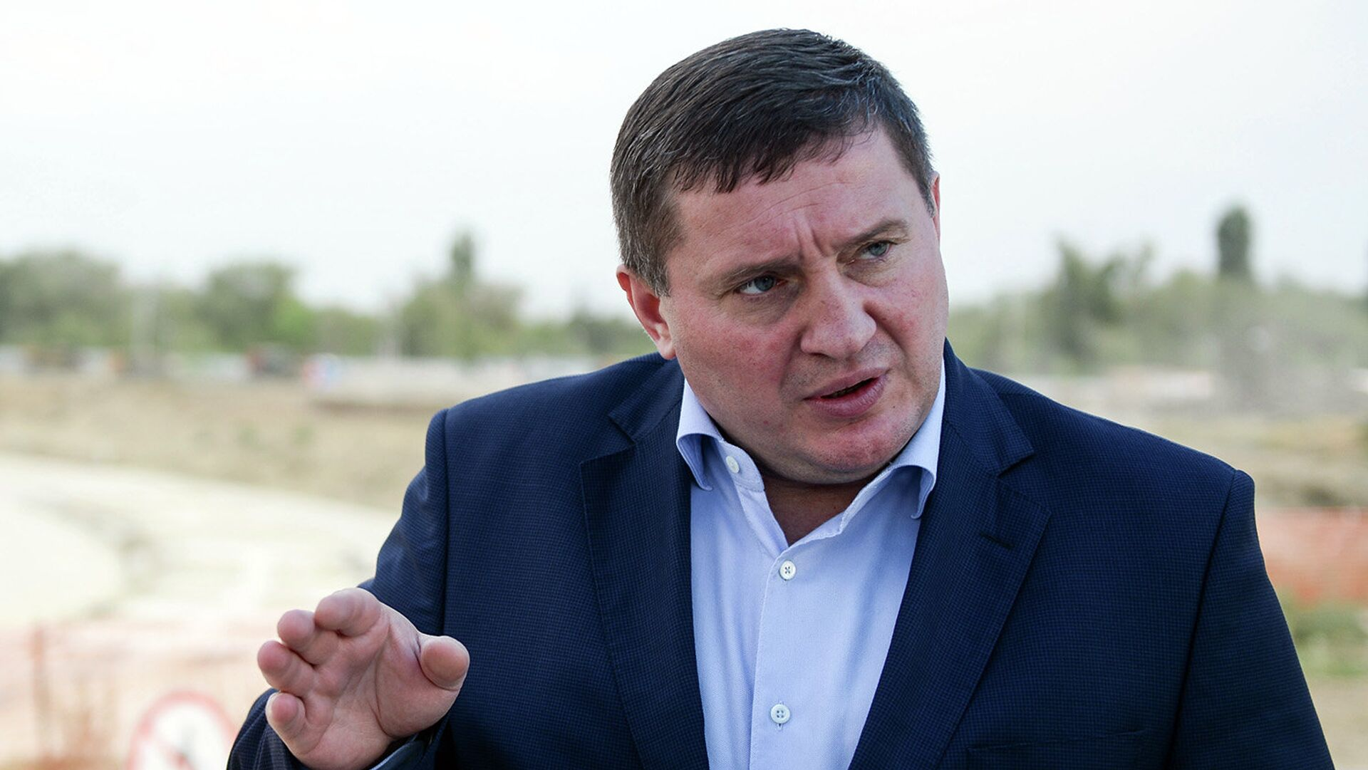 Губернатор Петербурга за 2020 год заработал четыре миллиона рублей