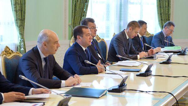 Премьер-министр РФ Дмитрий Медведев принял участие в заседании Совета глав правительств СНГ в Душанбе. 1 июня 2018