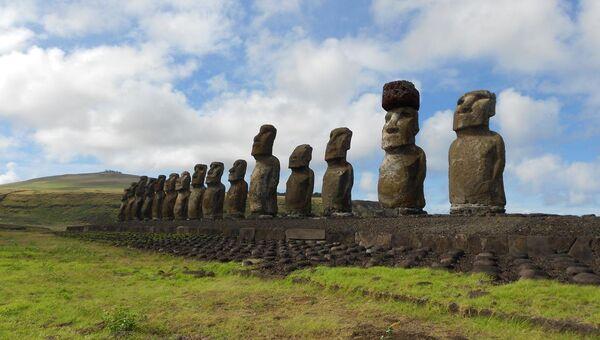 Истуканы-моаи и их шляпа-пукао