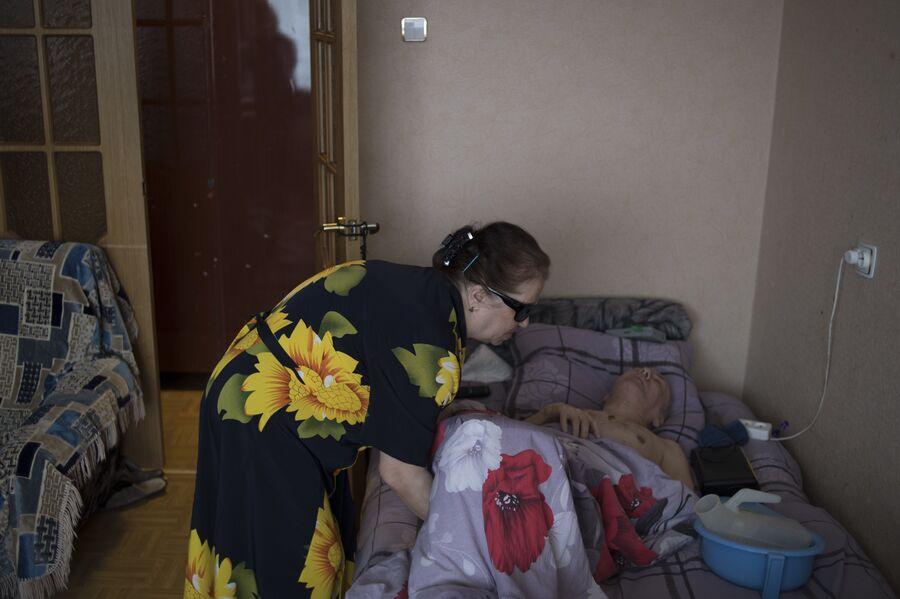 Лидия Панова мечтает о медицинской кровати для парализованного мужа