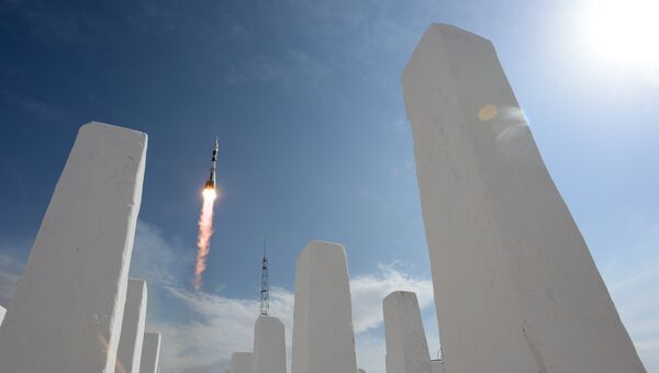 Пуск ракеты-носителя Союз-ФГ с пилотируемым кораблем Союз МС-09 со стартового стола первой Гагаринской стартовой площадки космодрома Байконур. Архивное фото