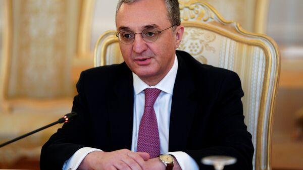 Министр иностранных дел Армении Зограб Мнацаканян во время встречи с министром иностранных дел России Сергеем Лавровым.  7 июня 2018
