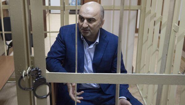 Начальник оперативно-разыскной части собственной безопасности МВД по Дагестану Магомед Хизриев в Пресненском суде Москвы. 7 июня 2018