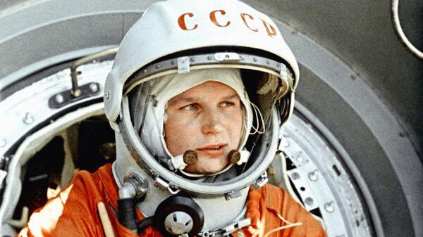 Володин поздравил Терешкову с 56-летием со дня ее полета вокруг Земли