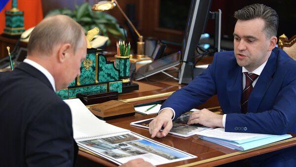 Владимир Путин и Станислав Воскресенский. Архивное фото