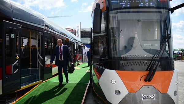 Трамвай 71-415 на выставке Иннопром-2018. 9 июля 2018