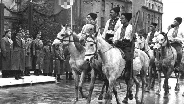 Парад УПА в Станиславе (Ивано-Франковск) в честь визита генерал-губернатора Польши рейхсляйтера Ганса Франка