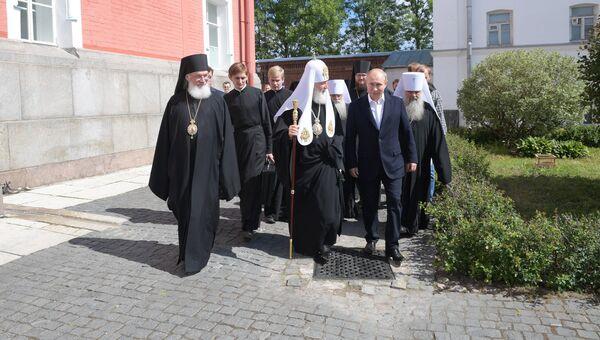 Владимир Путин во время посещения Спасо-Преображенскиого Валаамского монастыря. 11 июля 2018