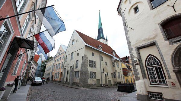Флаги России и Эстонии в Таллине
