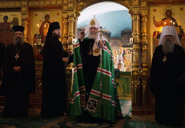 Патриарх Кирилл выступает с проповедью в Спасо-Преображенском соборе в день празднования памяти преподобных Сергия и Германа Валаамских