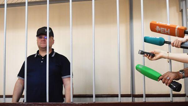 Бывший руководитель Главного следственного управления СК РФ по городу Москве Александр Дрыманов в Басманном суде Москвы. 17 июля 2018