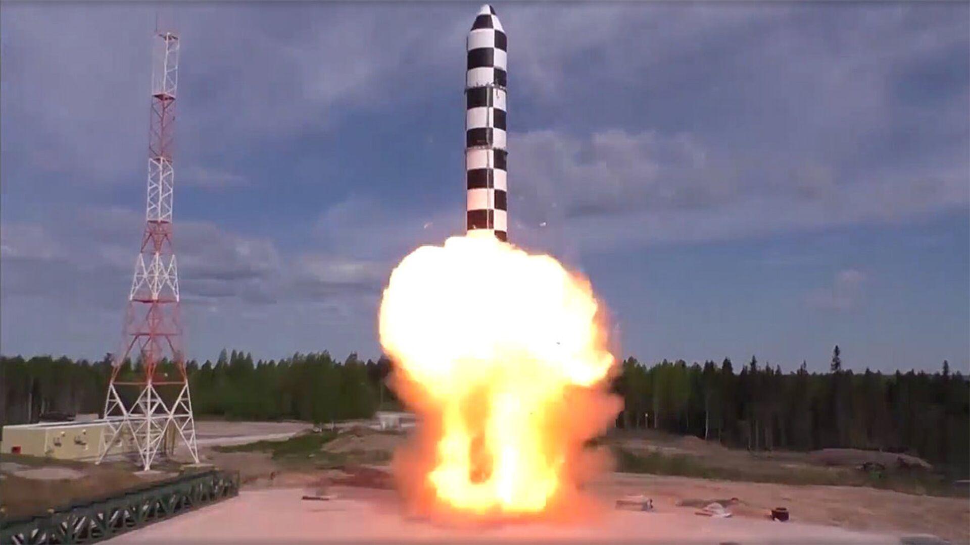 Испытания межконтинентальной ракеты Сармат - РИА Новости, 1920, 03.12.2020