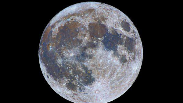 Работа фотографа Nicolas Lefaudeux Color-Full Moon, вошедшая в шорт-лист Insight Astronomy Photographer of the Year 2018